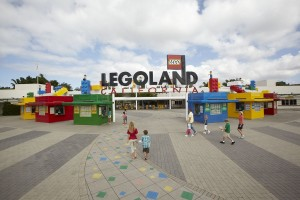 LEGOLAND_California_main_entrance