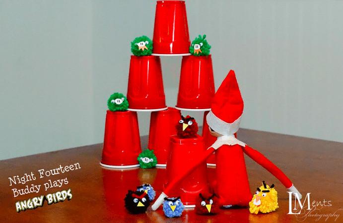 Elf plays Angry Birds idea