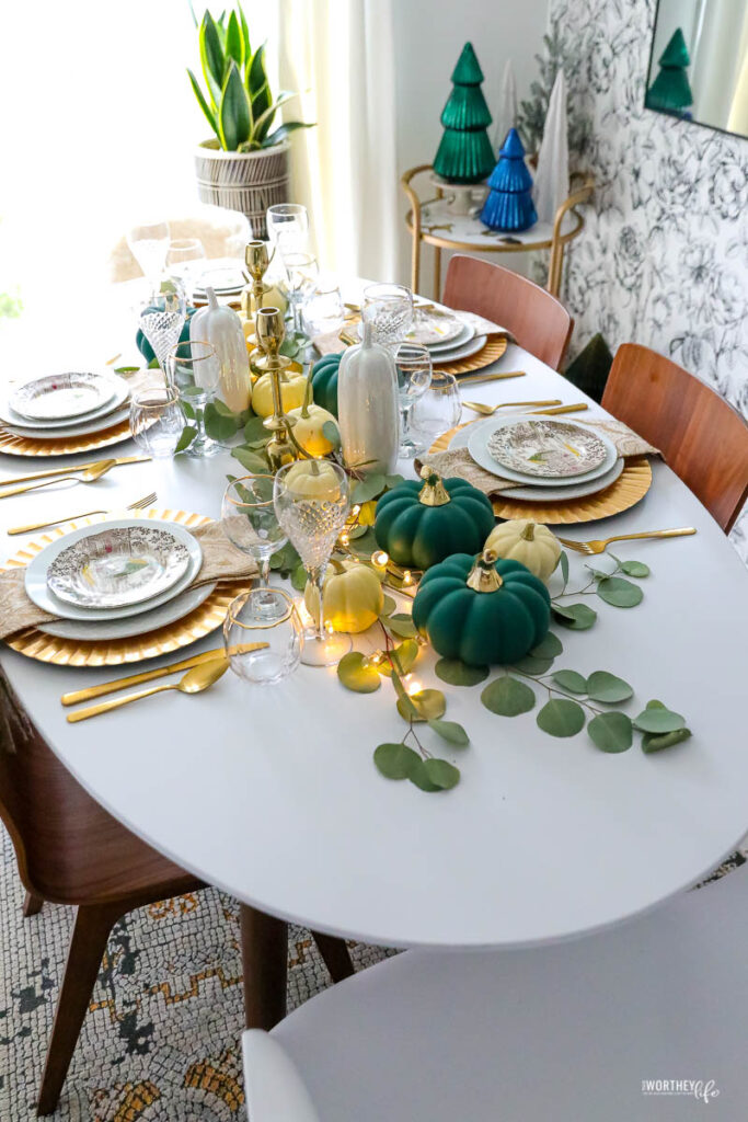 Thanksgiving Table Decor Idea