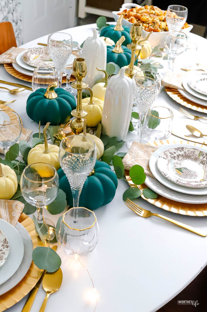 thanksgiving holiday tables