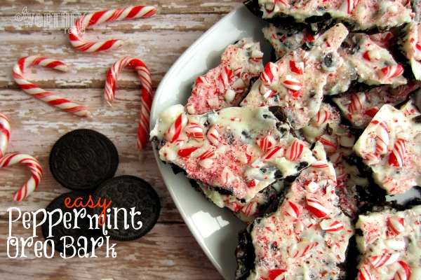 Easy Peppermint Oreo Bark Recipe. Great for a Christmas Treat. Peppermint recipes are big around the holiday and this easy recipe will be great for a gift idea as well. Pin this easy peppermint bark recipe now!