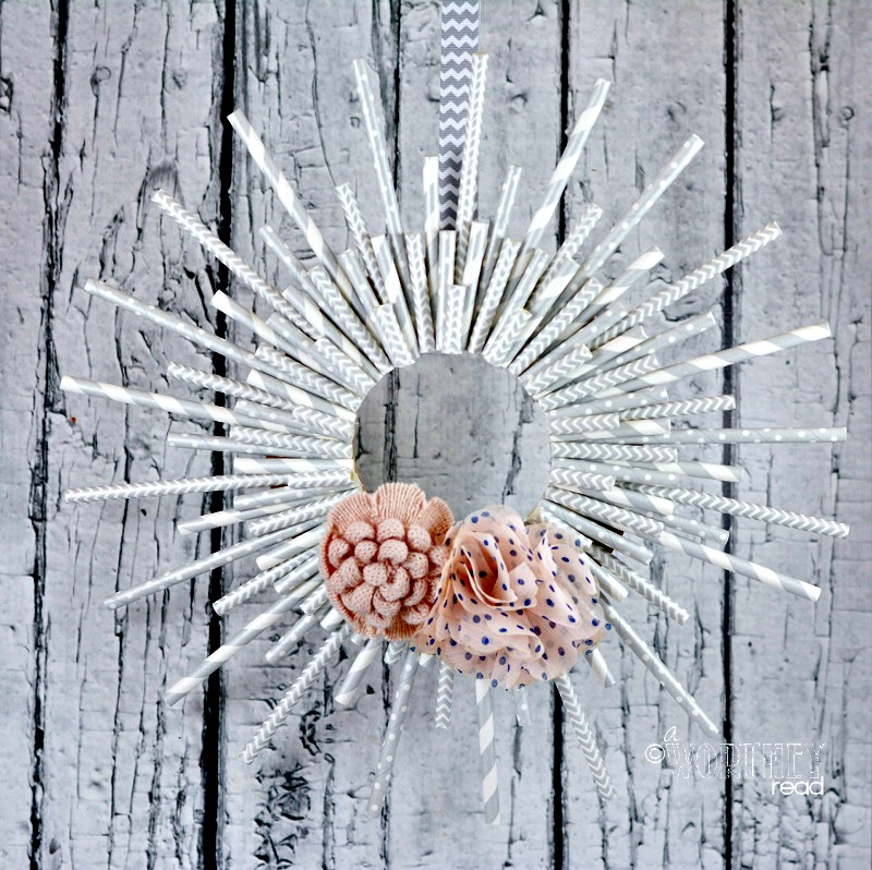 Here's an easy way to make a Paper Straw Wreath- Read these tips on how to make a wreath that's easy and perfect for any season or Holiday! Read on here....