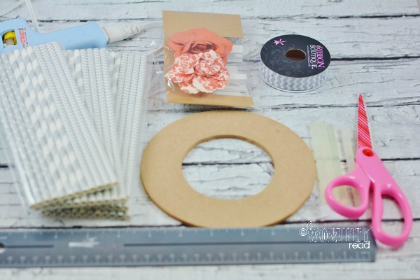 materials for straw wreath