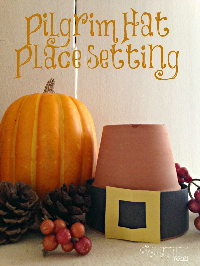 Easy Thanksgiving Decor idea. Make your own table settings with this Pilgrim Hat Place Setting idea. Great Thanksgiving Craft Idea for the kids as well!