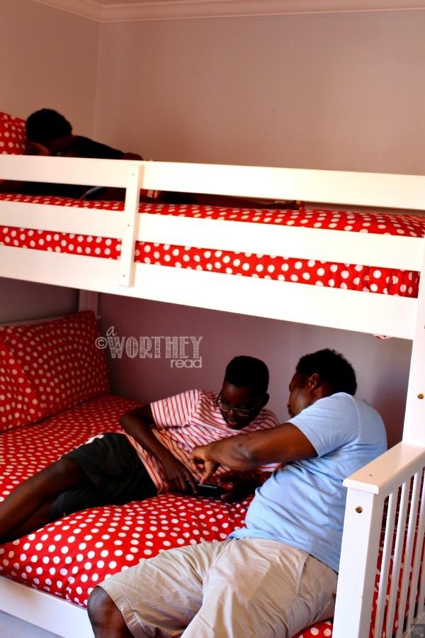 Suite Escapes Bedroom3