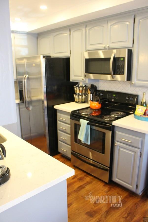 Suite Escapes Kitchen1