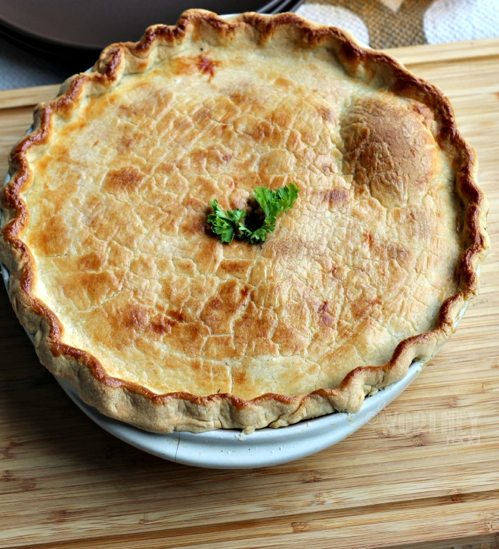The perfect chicken pot pie recipe that's easy to make and great for anytime of the year. Skip the freezer pot pies and prepare a healthy homemade meal for your family with this quick and easy dinner recipe.