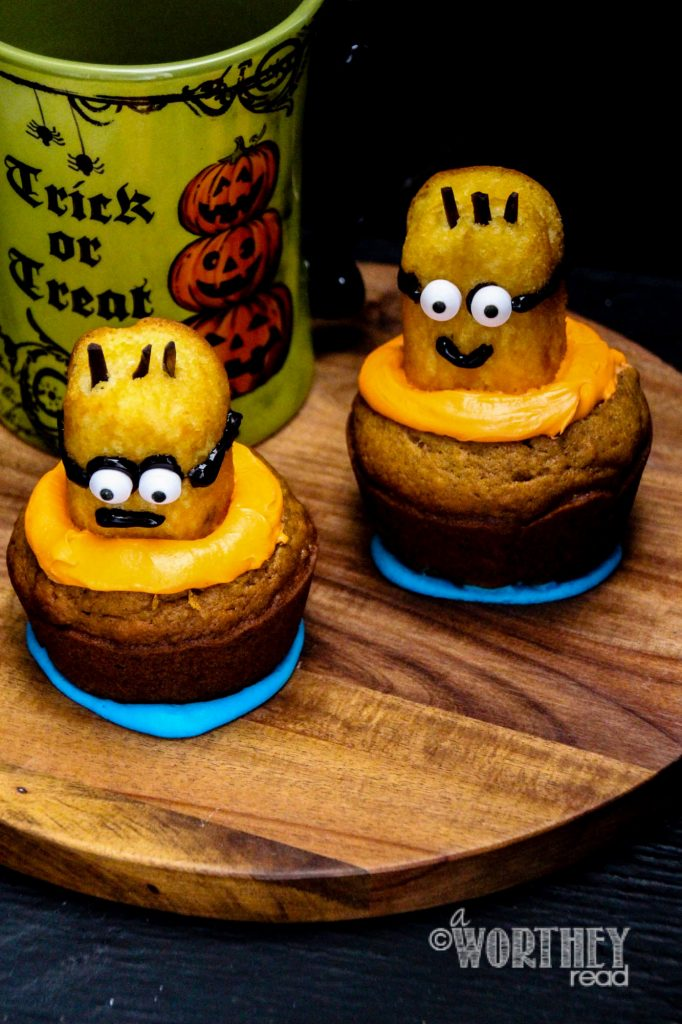 Easy Minion Pumpkin Cupcakes