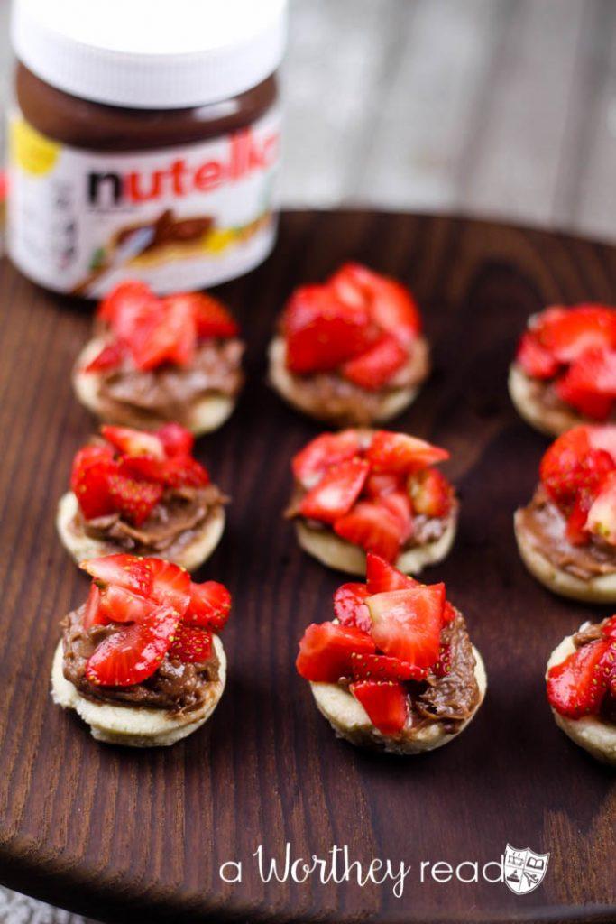 Strawberry Nutella Tart Bites