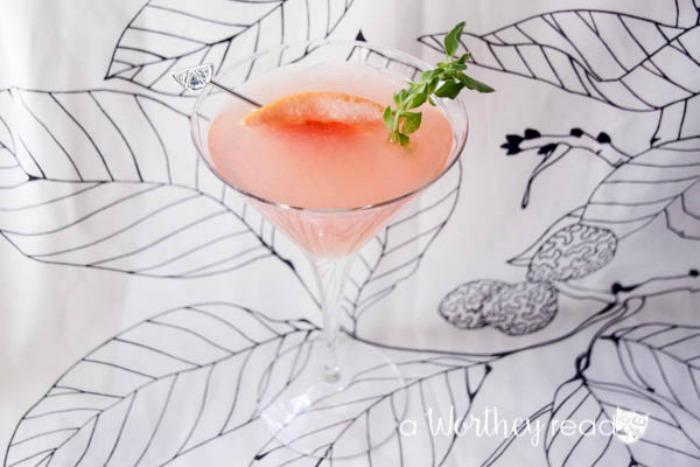 Blend Gin and Grapefruit into a fruity martini cocktail idea- Grapefruit Gin Martini