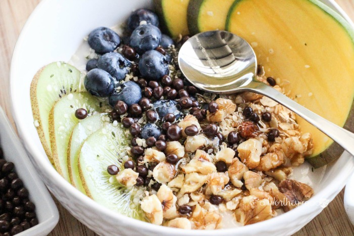 Here's an easy breakfast idea for the non-dairy fans. Smoothie bowls, yogurt bowls are quite popular these days, and this Kiwi, Blueberry & Mango Non-Dairy Yogurt Bowl will soon become a favorite for breakfast. It combines several fruits (Kiwi, Blueberries, and Mango) and necessary essentials (Hemp Hearts, California Walnuts, Vegan Oatmeal) to start your day off on the right foot!