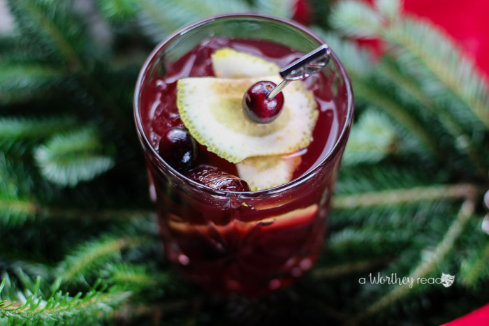 Unwind this holiday season with our Spiked Lemon & Tea Cocktail. It is bright and refreshing and the Owl's Brew tea is the perfect addition to cocktail fun!