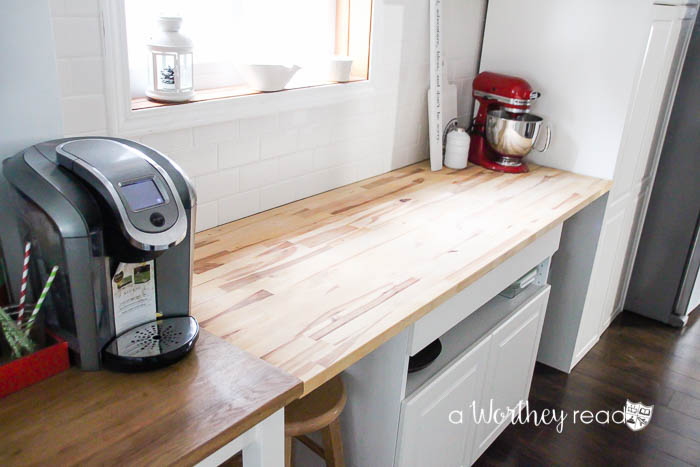 Get essential home cleaning hacks that will not only save you time, but money! Plus see how to renovate a small kitchen into a modern kitchen in our small house living series!