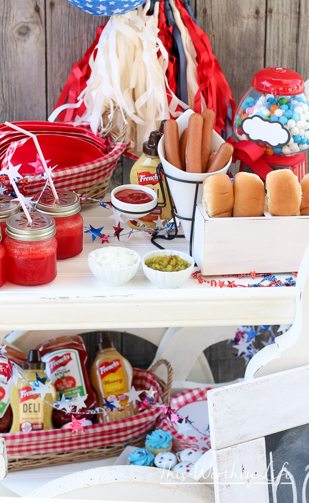 How to make your own hot dog stand
