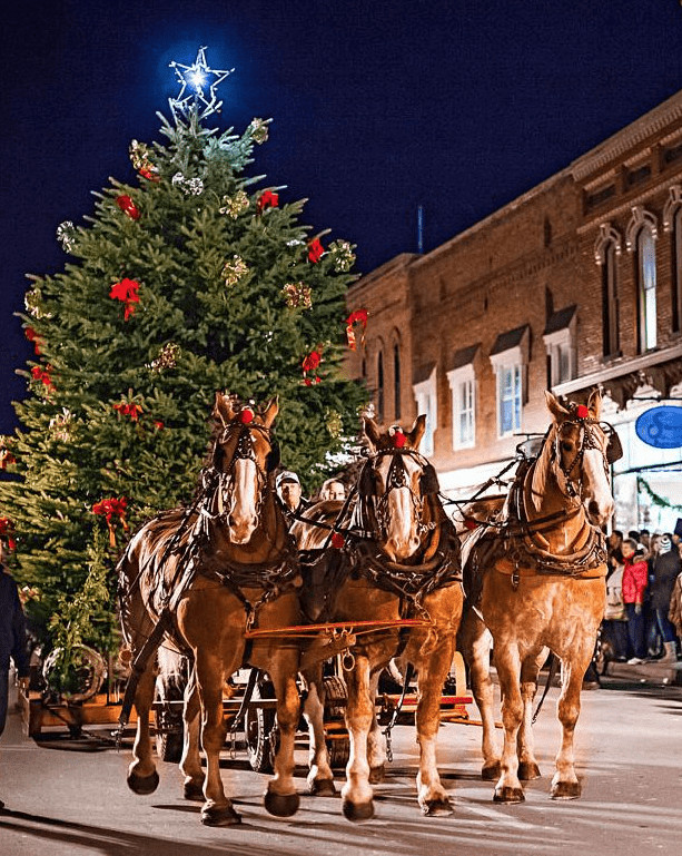 Best Christmas Towns in the Midwest