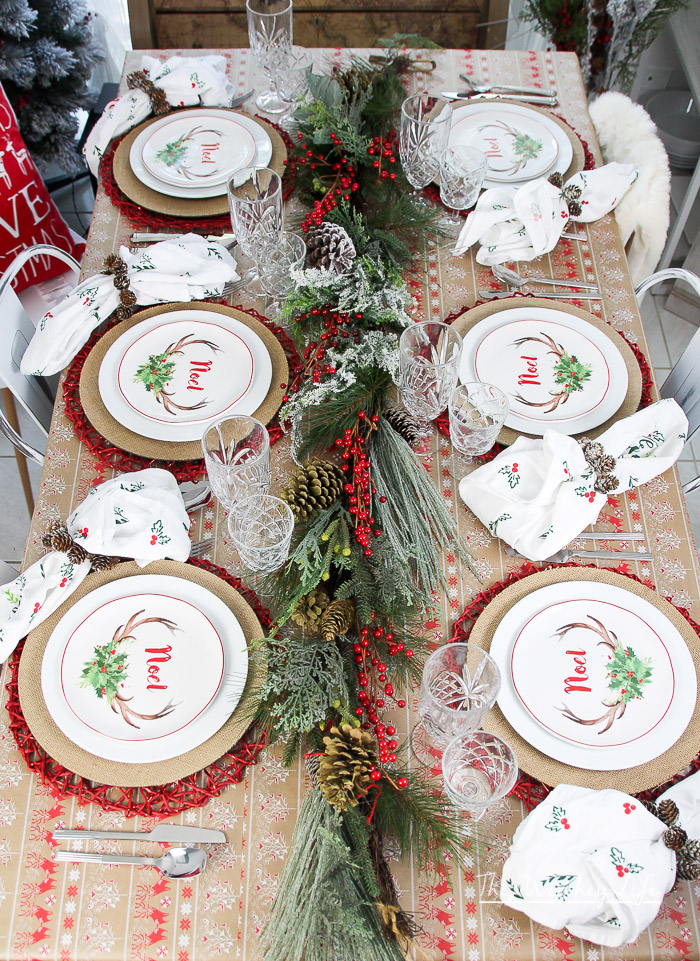How to put together a red & white Christmas tablescape