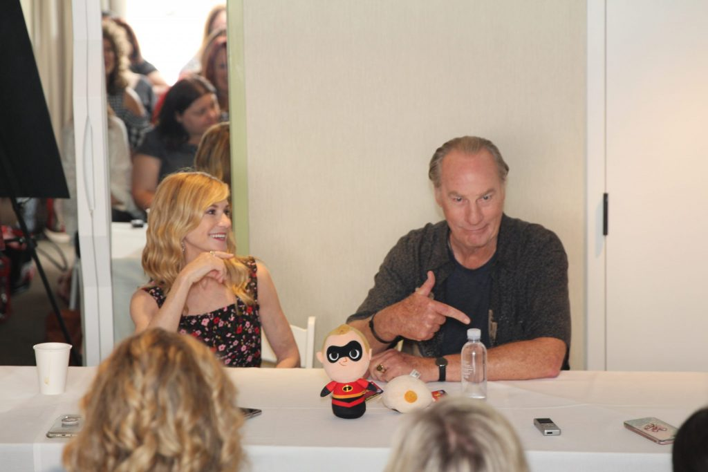 "Craig T. Nelson (voice of ""Bob Parr / Mr. Incredible"") & Holly Hunter (""Helen Parr / Elastigirl"")"