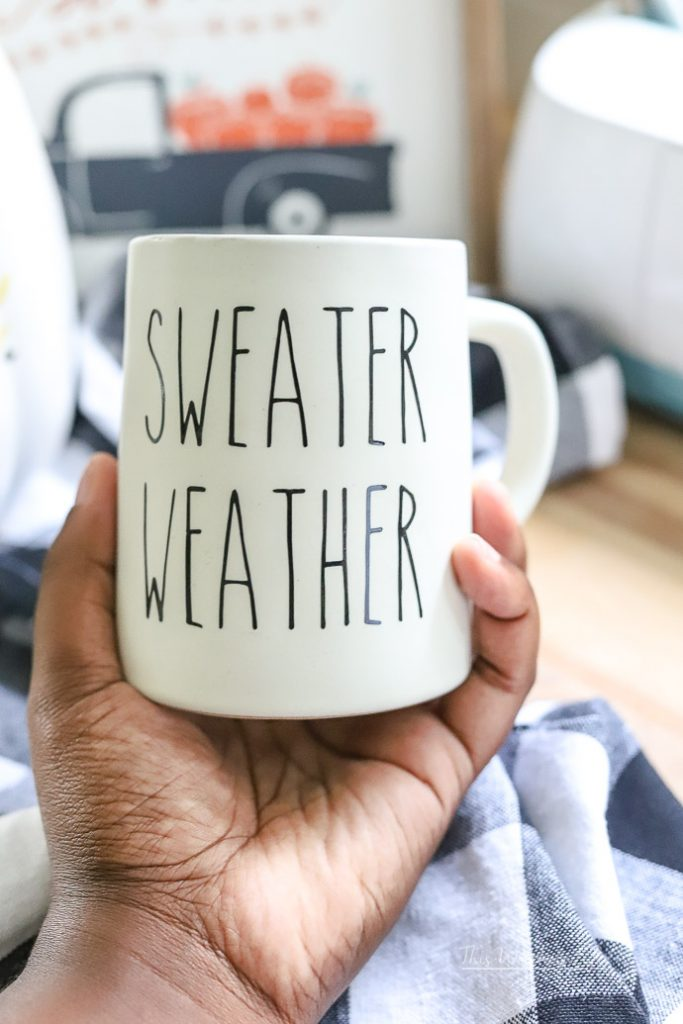 DIY Coffee Mug Idea using Vinyl and a Cricut machine