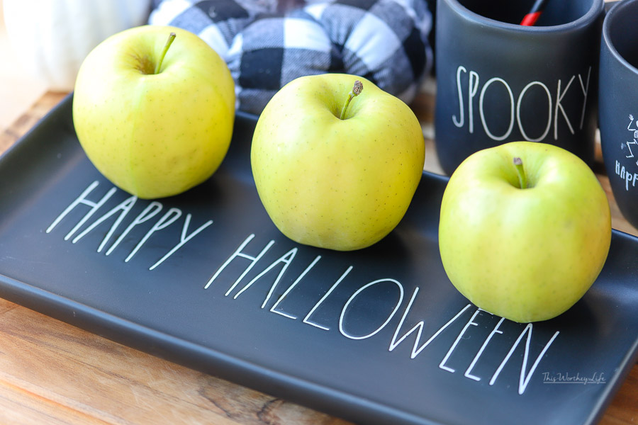 Halloween Treat Recipe idea: Meringue Halloween Apples