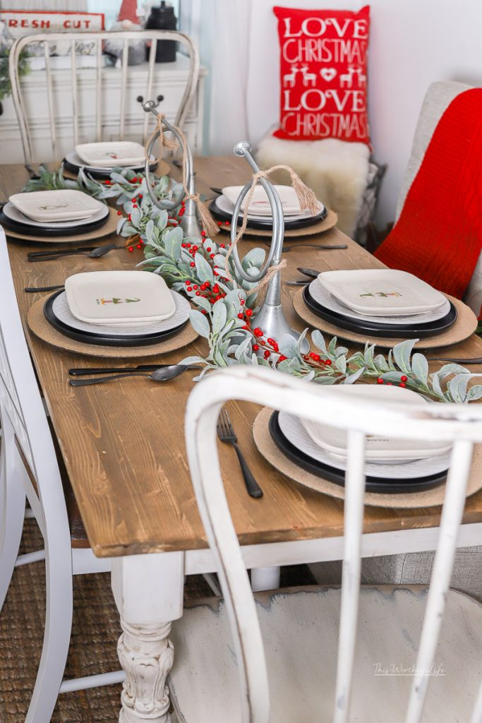 Easy Holiday Tablescape Idea