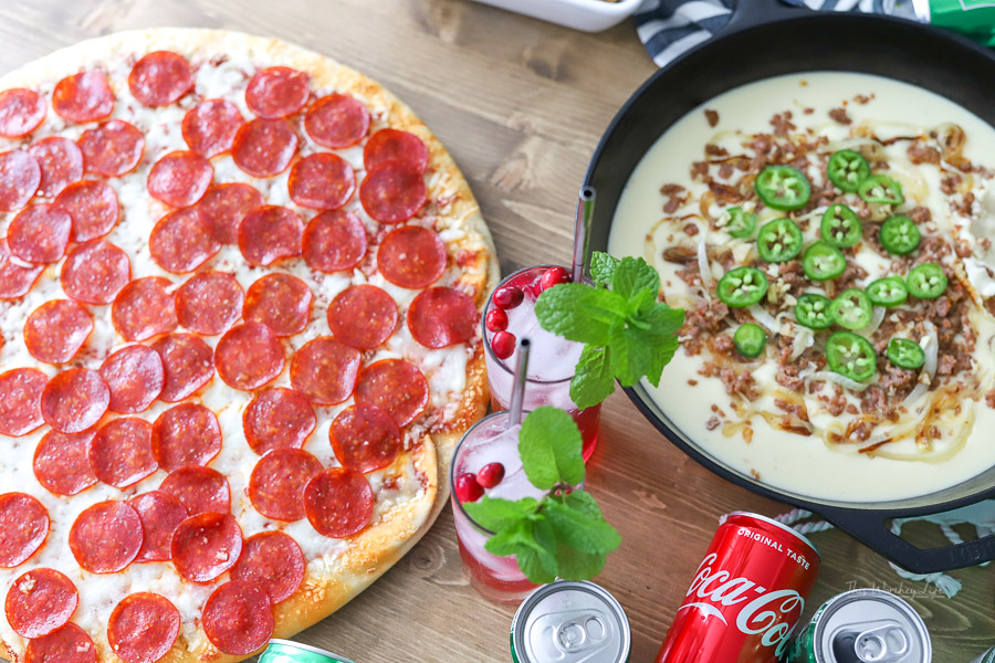 How to throw a pizza night party