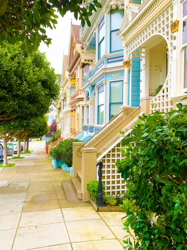 Where is the Painted Ladies houses in San Franciso