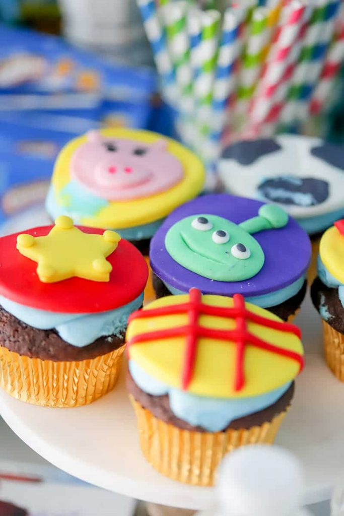 How to make Toy Story themed cupcakes