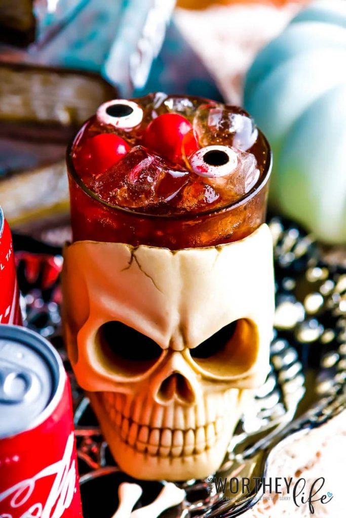 Halloween Cocktail using Whiskey and Coca Cola