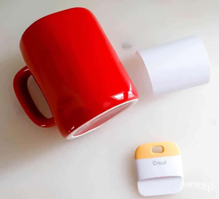 make your own Rae Dunn inspired mugs
