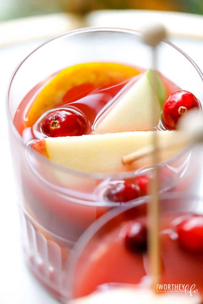 Quick spiced sangria drink