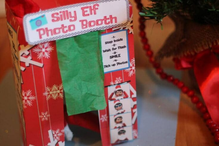 Elf on the Shelf: Photo booth!