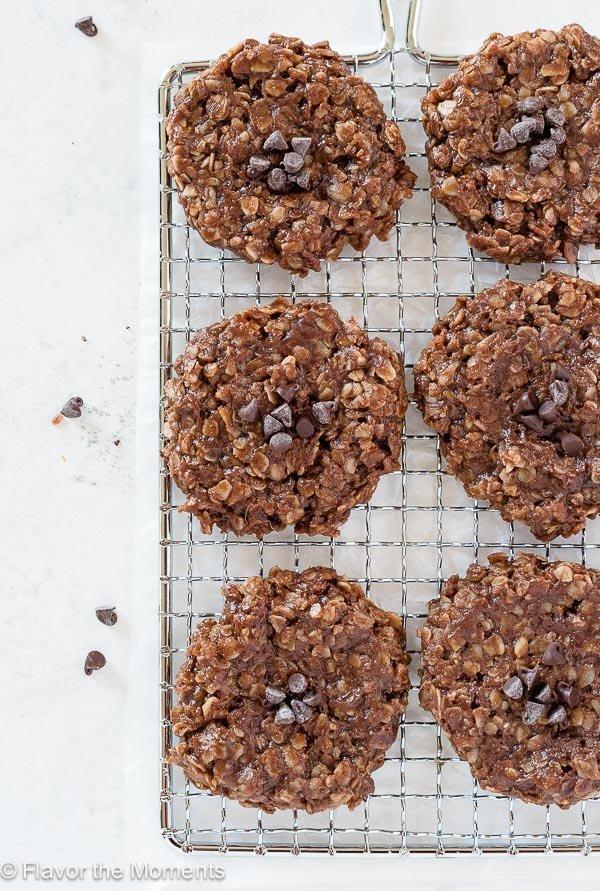 No-Bake Chocolate Peanut Butter Oatmeal Cookies