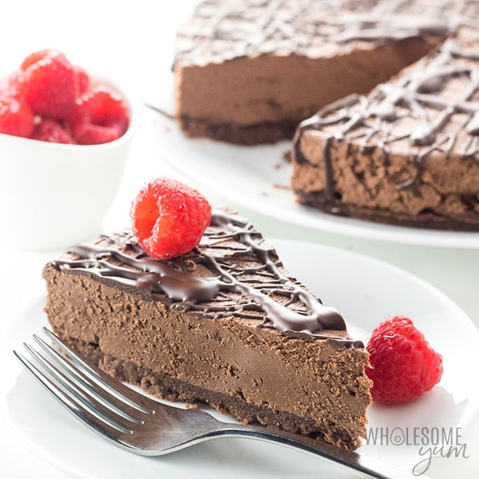Keto Low Carb No Bake Chocolate Cheesecake Recipe (VIDEO)