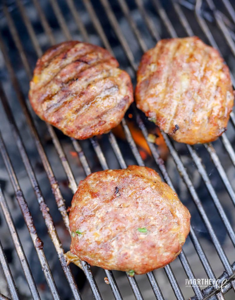 How to cook perfect turkey burgers on a charcoal grill