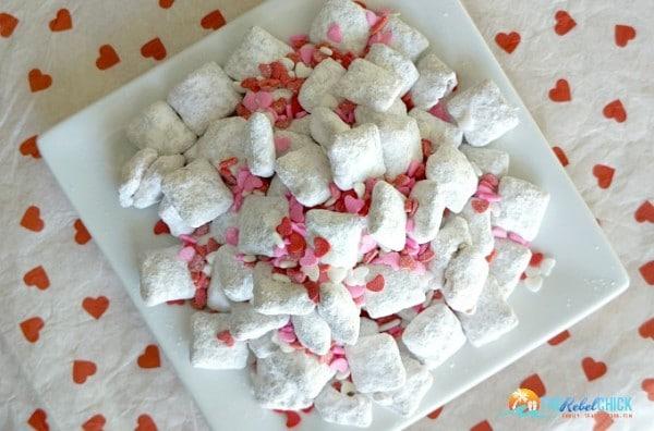Valentine's Day Muddy Buddies Recipe