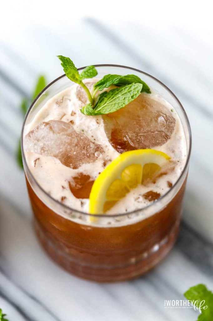 popular and easy bourbon cocktails