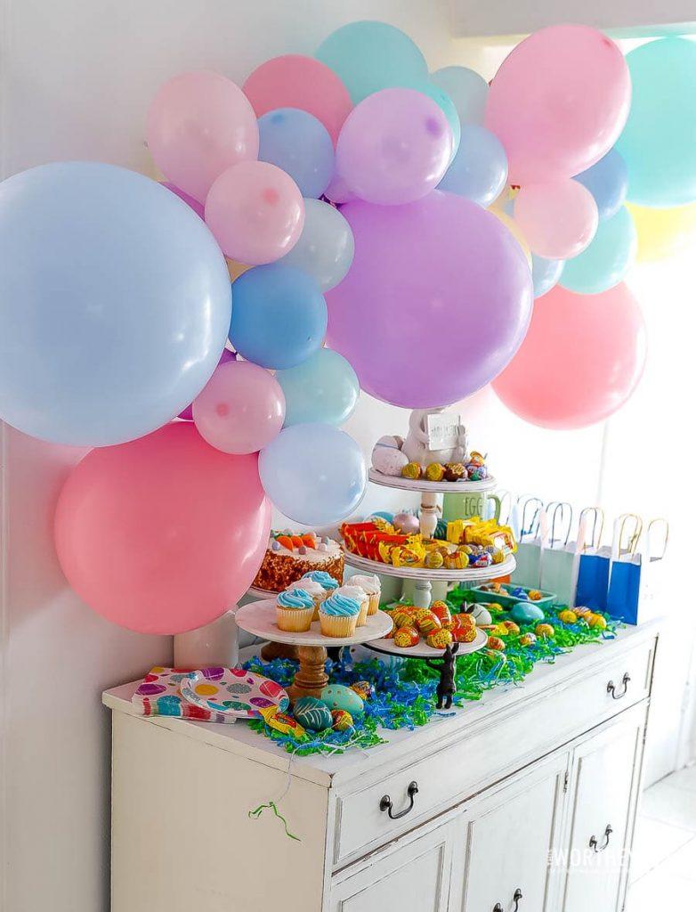 Easter Balloon Garland