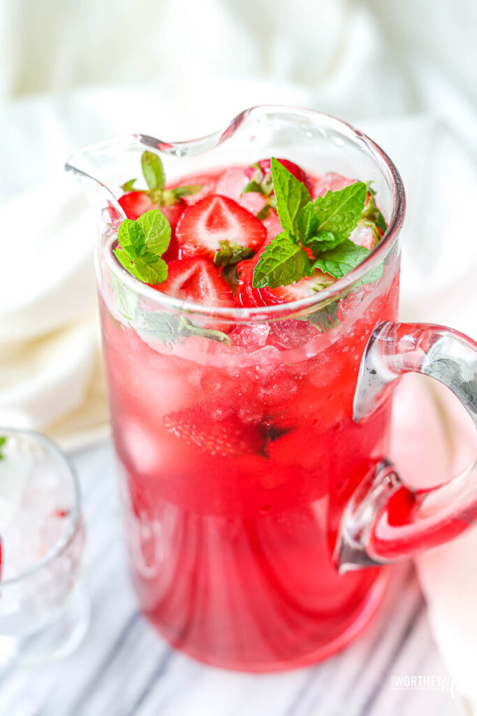 how to make strawberry drinks