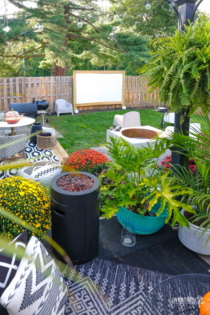 Decorating your outdoor space for a Halloween movie night