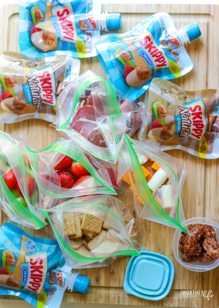 how to create a picnic basket lunch