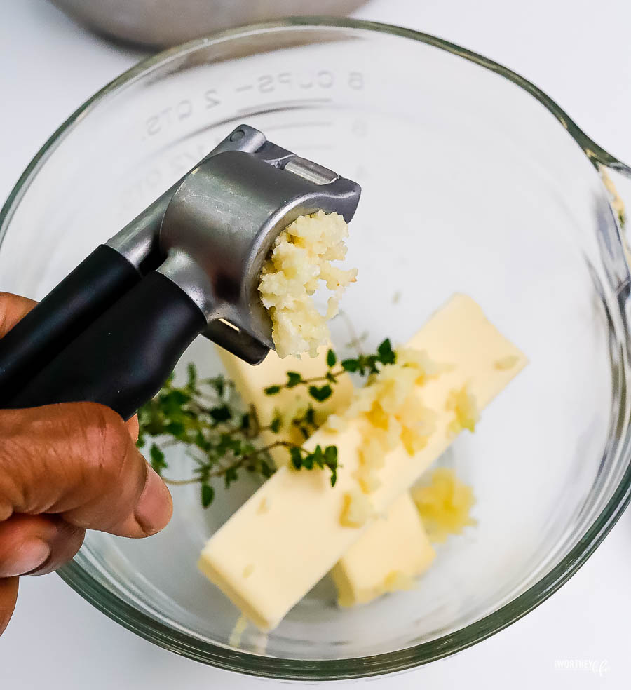 how to make herbed butter