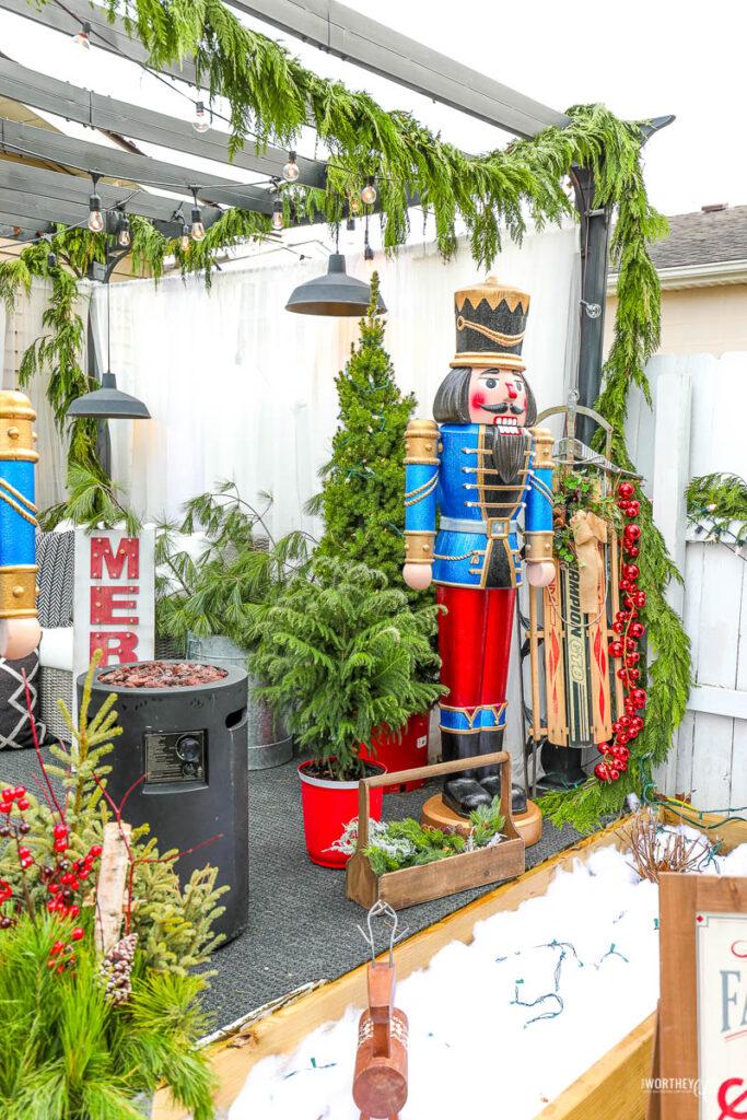 Christmas at The W   Christmas Patio Decor